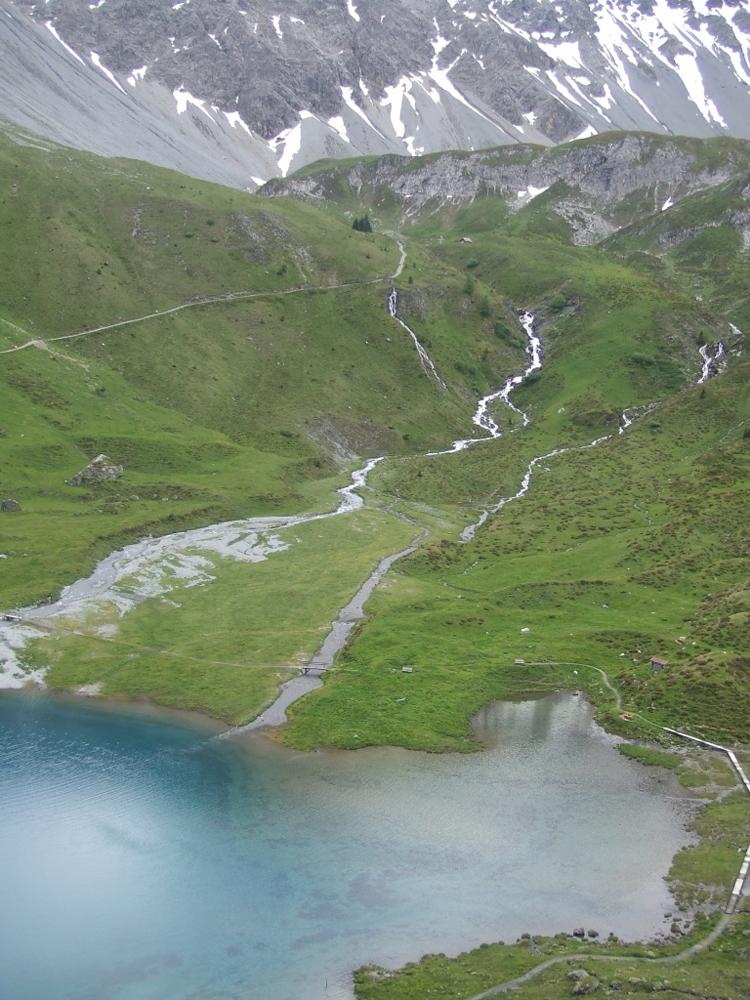 Wandern in der Umgebung von Peist und Arosa - Bergsee